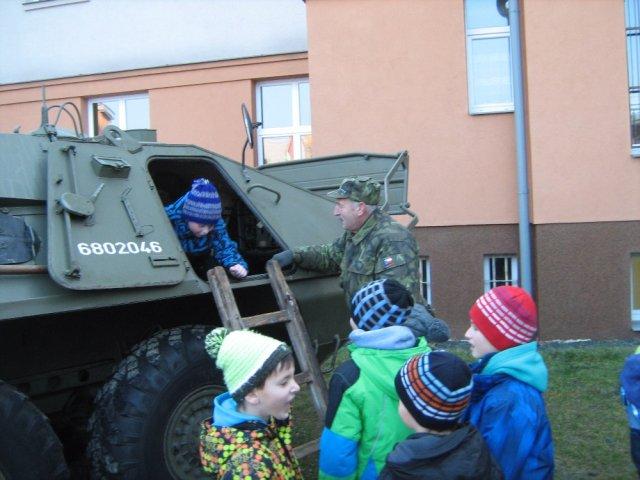 Vojenska_technika_03.jpg