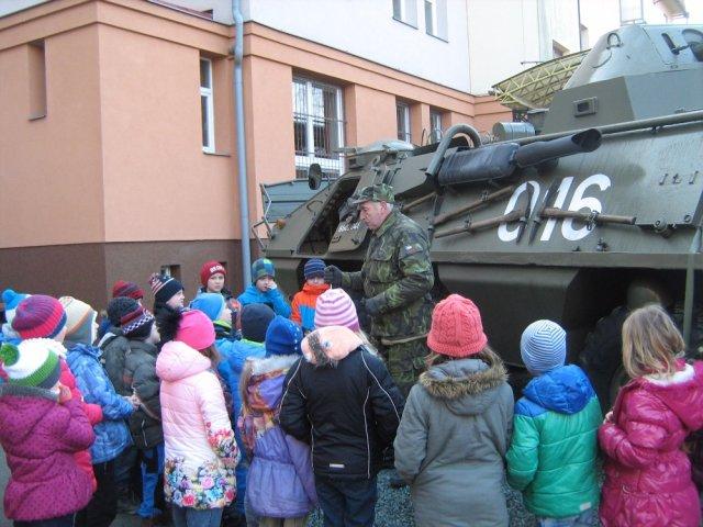 Vojenska_technika_04.jpg