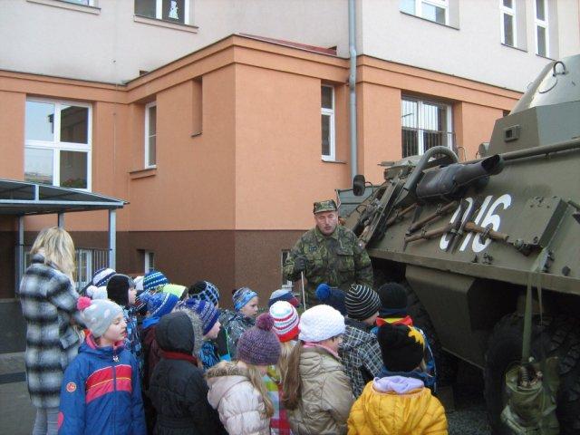 Vojenska_technika_02.jpg